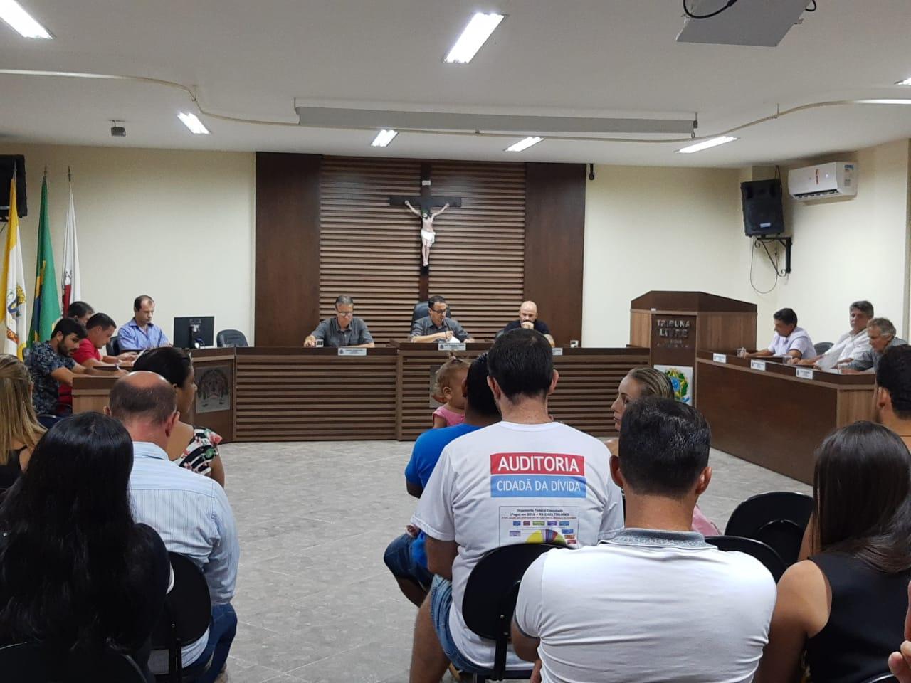 Parlamentar cobra a contratação de professores de Ensino Especial para a Rede Municipal