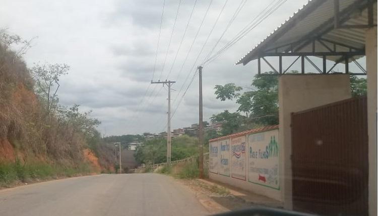 Parlamentar cobra quebra-molas da estrada de Vilas Boas