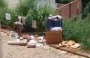 Prefeitura esclarece sobre lixo espalhado em rua da cidade